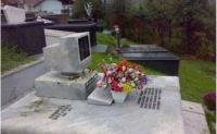 在一个程序员的墓前